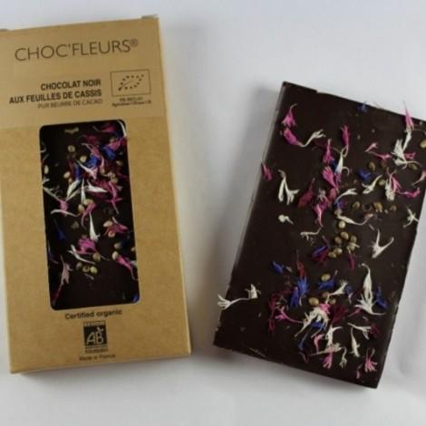 Tablette de chocolat noir aux feuilles de cassis