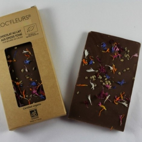 Tablette de chocolat noir aux epices tcha