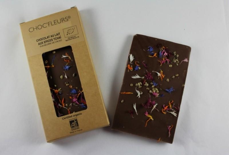 Tablette de chocolat au lait aux epices tcha